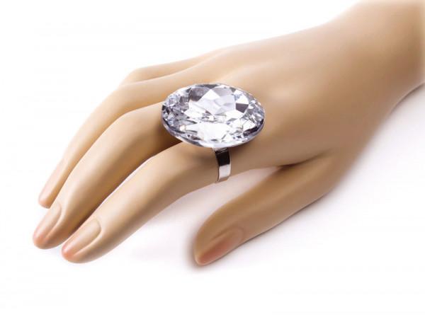 Grosser Diamant-Ring - Requisite