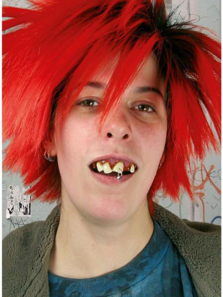 Falsche Zähne - Punk Zähne mit Piercing