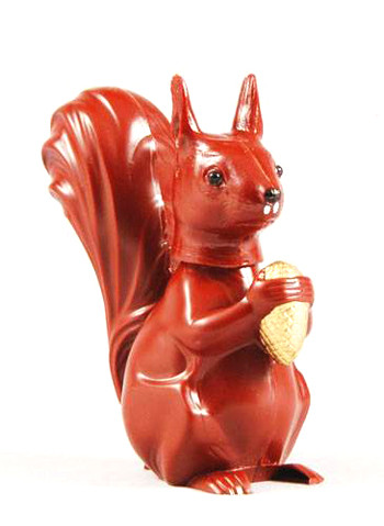 Eichhörnchen mit Wackelkopf