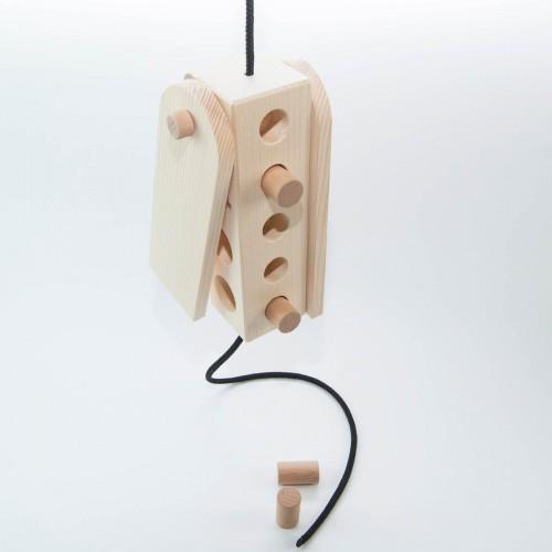 Hundespiel aus Holz - Hängeklotz